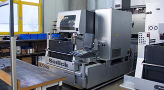 Drahterodiermaschine Sodick AQ 400 LN2W Compakt